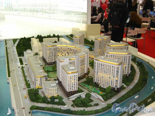 Макет жилого комплекса «RIVERSIDE», представленный  SeltCity Development на XXVI Ярмарке Недвижимости в «Ленэкспо» 1-3 марта 2013 года. Вид со стороны набережной Черной речки. Фото 3 марта 2013 г.