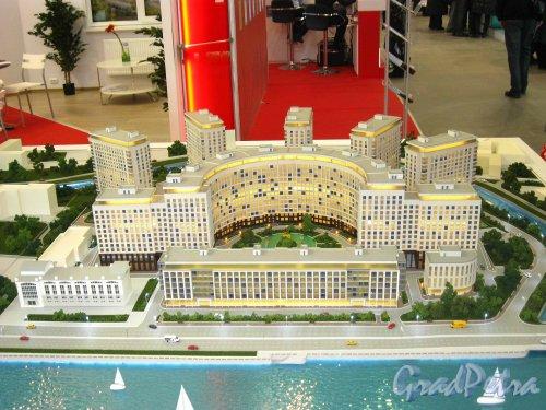 Макет жилого комплекса «RIVERSIDE», представленный  SeltCity Development на XXVI Ярмарке Недвижимости в «Ленэкспо» 1-3 марта 2013 года. Общий вид жилого комплекса. Фото 3 марта 2013 г.
