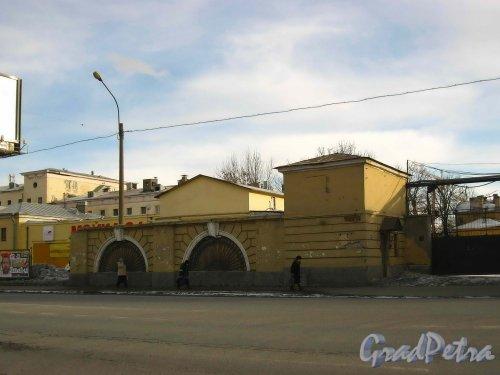 Набережная Обводного канала, дом 108, литера Н (адрес по РГИС). Проходная. Фото 8 марта 2013 г.