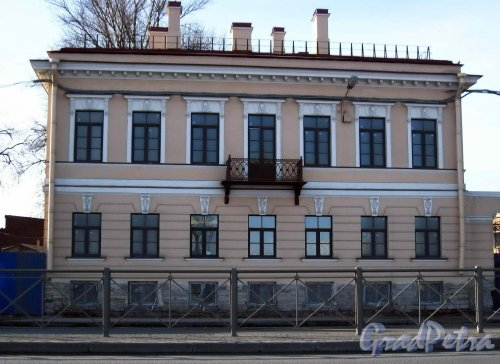 Синопская набережная, дом 68. Фасад здания после реставрации. Фото 17 марта 2013 г.