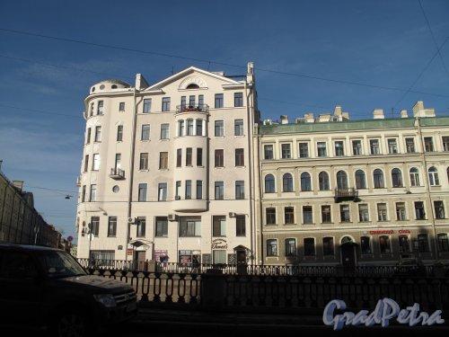 наб. канала Грибоедова, д. 83. Доходный дом В. П. Лихачева. Общий вид с наб. канала. фото октябрь 2013 г.