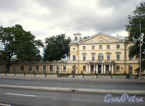 Свердловская наб., д. 40, лит. А. Фасад здания. Фото июнь 2009 г.