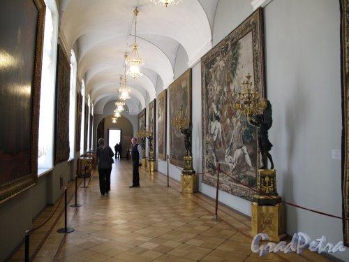 Дворцовая наб., д. 38. Зимний дворец. Зал шпалер. Фото апрель 2011 г.