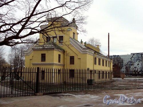 Свердловская наб., д. 40, корп. 3, лит. И. Общий вид. Фото январь 2014 г.