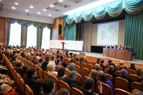 Общественные слушания в Пушкинском районе по внесению изменений в Генплан Санкт-Петербурга, связанных с реализацией проекта города-спутника «Южный». 28 марта 2013 г.