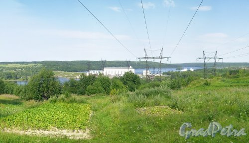 Лен. обл., Подпорожский р-н, г. Подпорожье. Высоковольтная линия на ГЭС. Фото 2002 г.