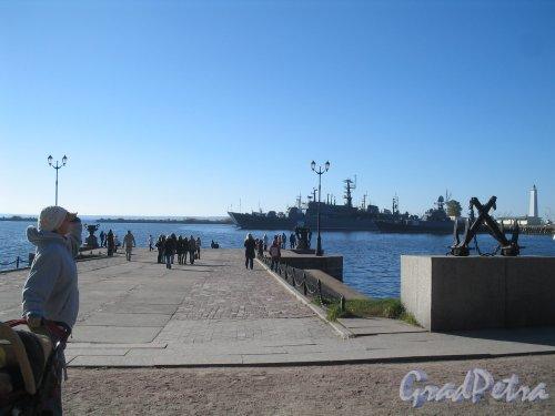 Кронштадт, г. Итальянский пруд. Пристань и набережная. Фото октябрь 2010 г.