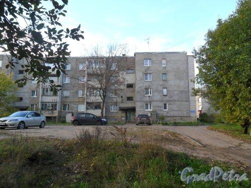 Поселок Решетниково, дом 13. Фото 2 октября 2013 года.