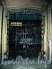 Ул. Чехова, д. 2. Решетка ворот. Фото октябрь 2009 г.