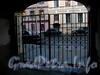 Ул. Чехова, д. 4. Решетка ворот. Фото октябрь 2009 г.