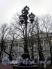 Фонарь Екатерининского сквера. Фото декабрь 2009 г.