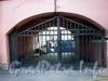 Ул. Печатника Григорьева, д. 1. Дом В. Колобова. Решетка ворот. Фото сентябрь 2009 г.