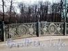 Фрагмент ограды Нижнего Лебяжьего моста. Фото апрель 2009 г.