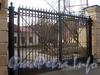 Ул. Чапаева, д. 26. Решетка ворот. Фото апрель 2010 г.