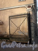 Ул. Чапаева, д. 28. Решетка ворот. Фото апрель 2010 г.