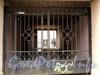 Малодетскосельский пр., д. 21 / Бронницкая ул., д. 27. Решетка ворот углового корпуса. Фото май 2010 г.