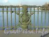 Фрагмент ограды Каменноостровского моста. Фото апрель 2010 г.