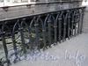 Фрагмент ограды набережной Зимней канавки между Эрмитажным и 1-м Зимним мостами. Фото июнь 2010 г.