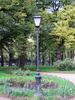 Фонарь в саду комплекса Преображенского полка (Кирочная ул., дом 35, лит. А). Фото сентябрь 2010 г.