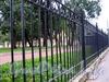 Ограда сквера на углу Гангутской и Гагаринской улиц. Фото сентябрь 2010 г.
