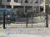 Кемская ул., д. 1. Элитный жилой комплекс «MaXXimum». Решетка ворот. Вид от наземного павильона станции метро «Крестовский остров». Фото июнь 2010 г.