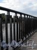 Фрагмент ограды Молодежного моста. Фото сентябрь 2010 г.