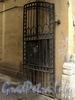 Гагаринская ул., д. 6, лит. А. Створка ворот. Фото сентябрь 2010 г.