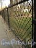 Фрагмент ограды Князь-Владимирского сквера. Фото апрель 2011 г.