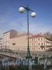 Фонарь на Английском пешеходном мосту. Апрель 2009 г.