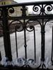 Фрагмент ограды моста Декабристов. Фото март 2009 г.