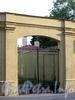 Казанская ул., д. 48 / Столярный пер., д. 1. Решетка ворот. Фото август 2009 г.