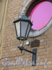 Мал. Морская ул., д. 11. Доходный дом К. И. Шмита. Фонарь. Фото июль 2009 г.