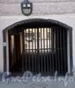 Ул. Черняховского, д. 52. Решетка ворот. Фото октябрь 2009 г.