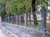 Ограда между домами 3 и 5 по Косой линии. Фото октябрь 2009 г.