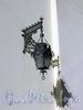 Невский пр., д. 22-24. Немецкая лютеранская церковь св. Петра. Фонарь на фасаде. Фото июль 2009 г.