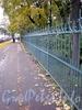 Ограда Таврического сада со стороны Потемкинской улицы. Фото октябрь 2009 г.