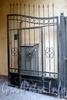 Ул. Восстания, д. 42, лит. А. Решетка ворот. Фото сентябрь 2009 г.