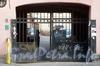 Ул. Константина Заслонова, д. 4. Дом В. Колобова. Решетка ворот. Фото сентябрь 2009 г.