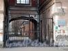 Ул. Профессора Ивашенцова, д. 5. Здание городского изоляционного дома. Ворота между флигелями. Фото ноябрь 2008 г.