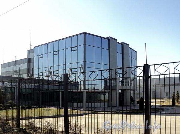 Канонерский остров, д. 3. Здание бизнес-центра «МИЛЯ». Фото апрель 2011 г.