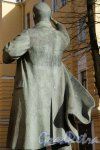 Памятник Ленину В.И. Адрес: Декабристов ул., д. 35 (двор территория Университета имени Лесгафта). ск. Н.В. Томский. перенесен и установлен в 2002 г. Фото апрель 2013 г.