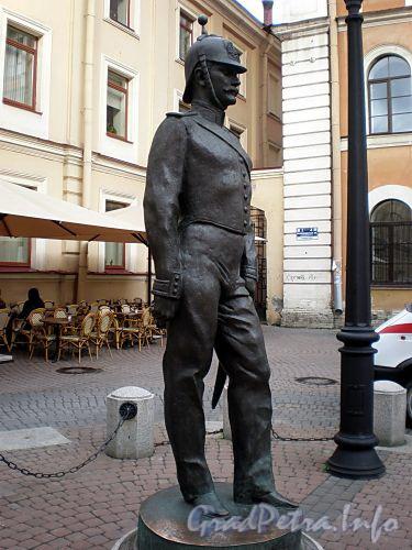 Памятник Городовому на Малой Конюшенной улице. Фото август 2009 г.
