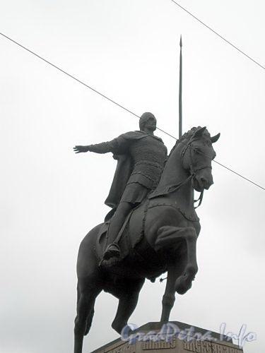 Памятник Александру Невскому на пл. Александра Невского. Апрель 2009 г.