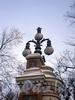 Торшер ограды Михайловского сады. Фото декабрь 2009 г.