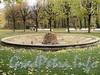 Чаша фонтана в саду Смольного. Фото октябрь 2010 г.