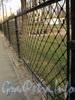 Фрагмент ограды сквера Князь-Владимирского собора. Фото апрель 2011 г.