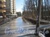 Проезд параллельно границе парка «Александрино» напротив дома 75, корпус 3 по пр. Ветеранов. Вид в сторону пр. Ветеранов. Фото март 2012 г.