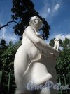 "Летний сад. Статуя ""Архитектура"". Фото июнь 2012 г."