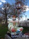 Александровский парк (г. Пушкин). Большой Китайский мост. Фигура на парапете. Фото май 2012 г.