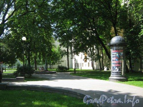 Сквер имени Андрея Петрова. Фото 7 июля 2012 г.